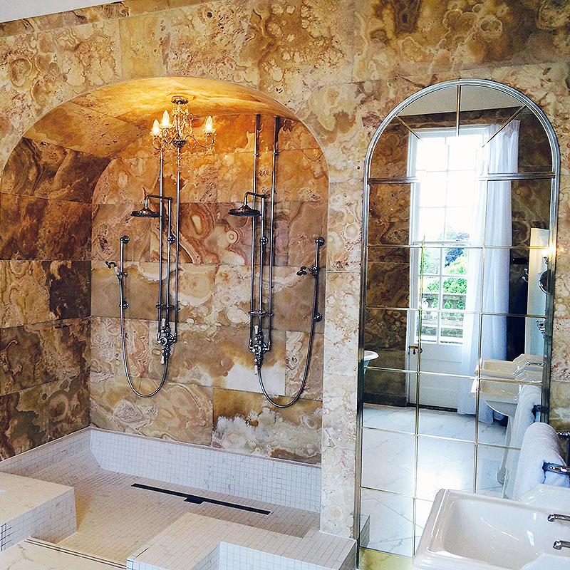 Special bathroom mirrors