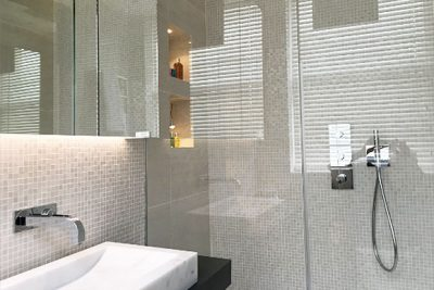 bespoke frameless glass showers
