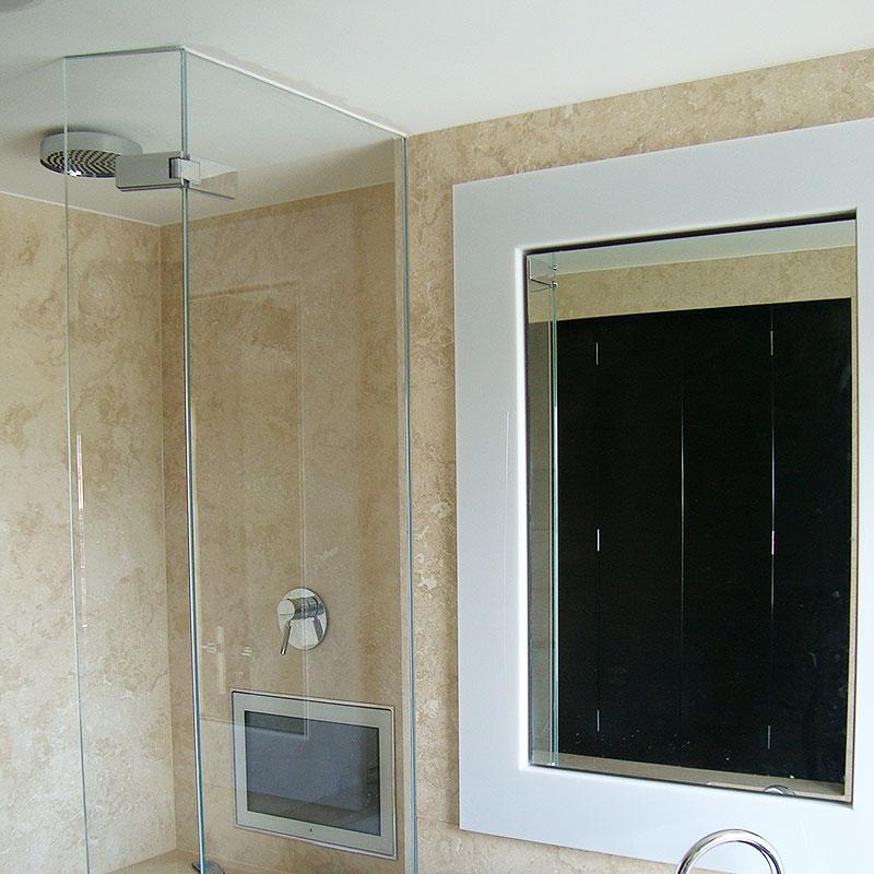 Frameless glass shower in London