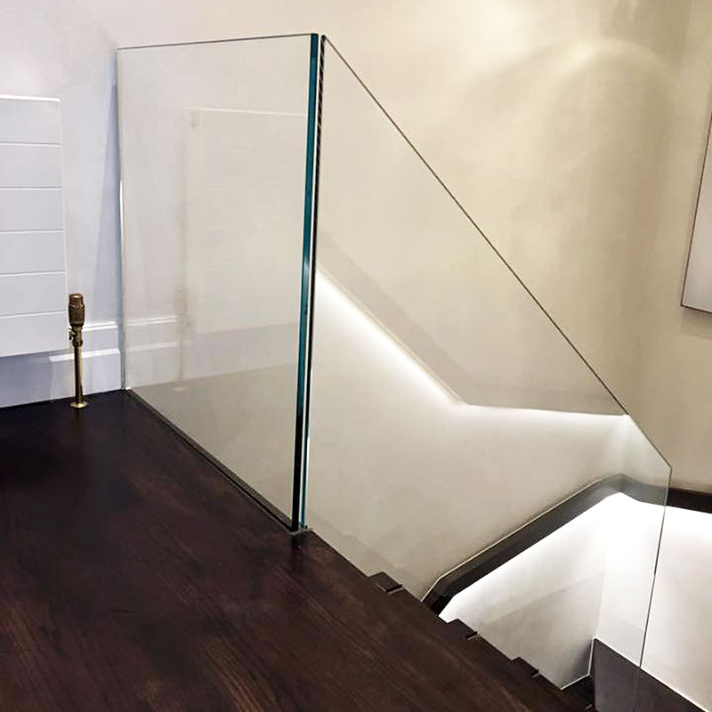Toughened glass balustrade in a London home