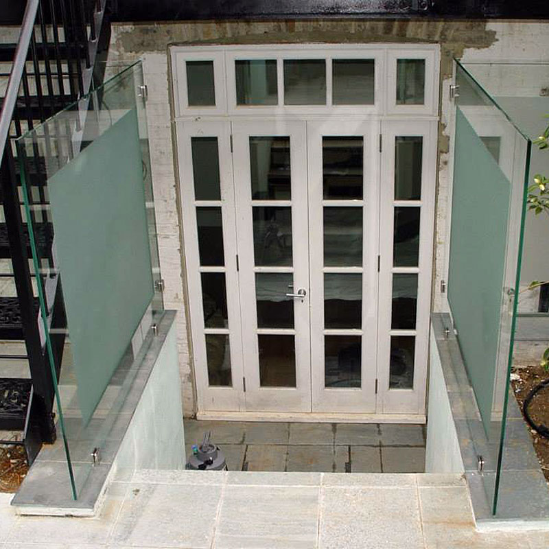 Glass balustrades in a back garden in London
