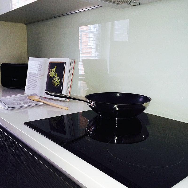 Glass kitchen splashback Ladbroke Grove