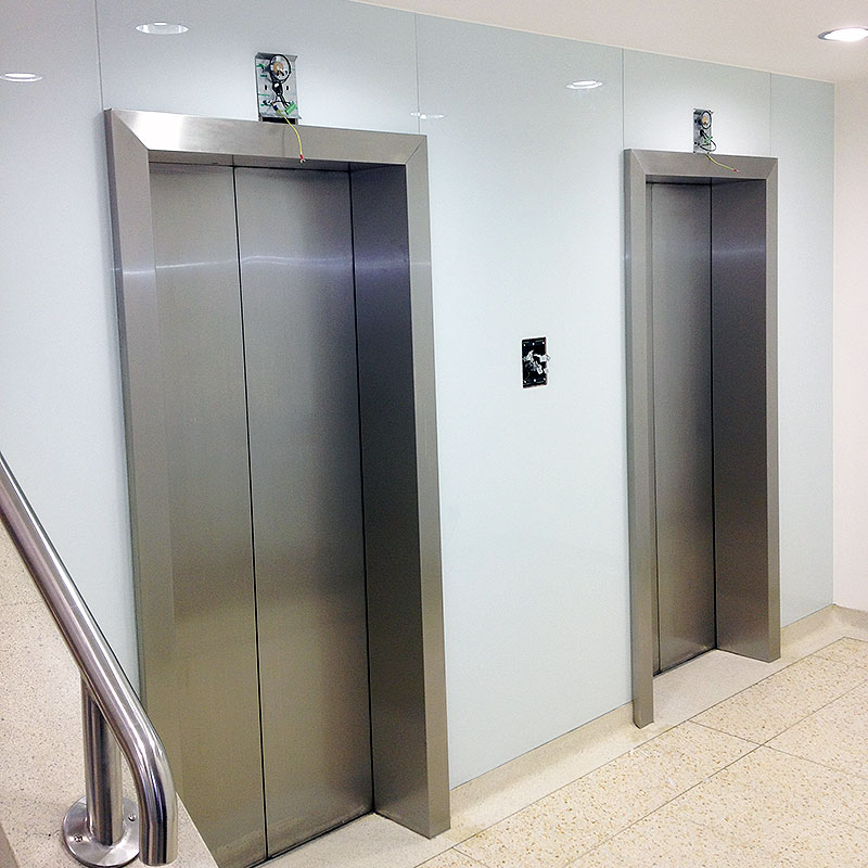 Glass surround for lifts