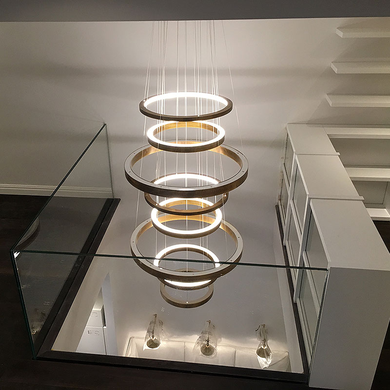 Glass balustrade surrounding feature lamp