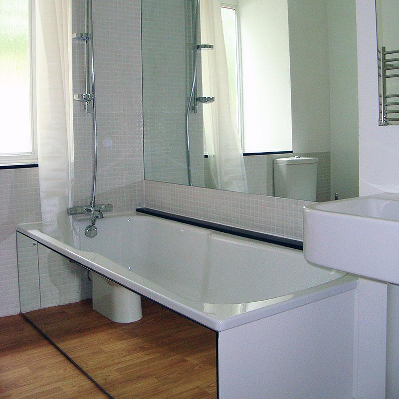 Mirrored bath panel and splashback