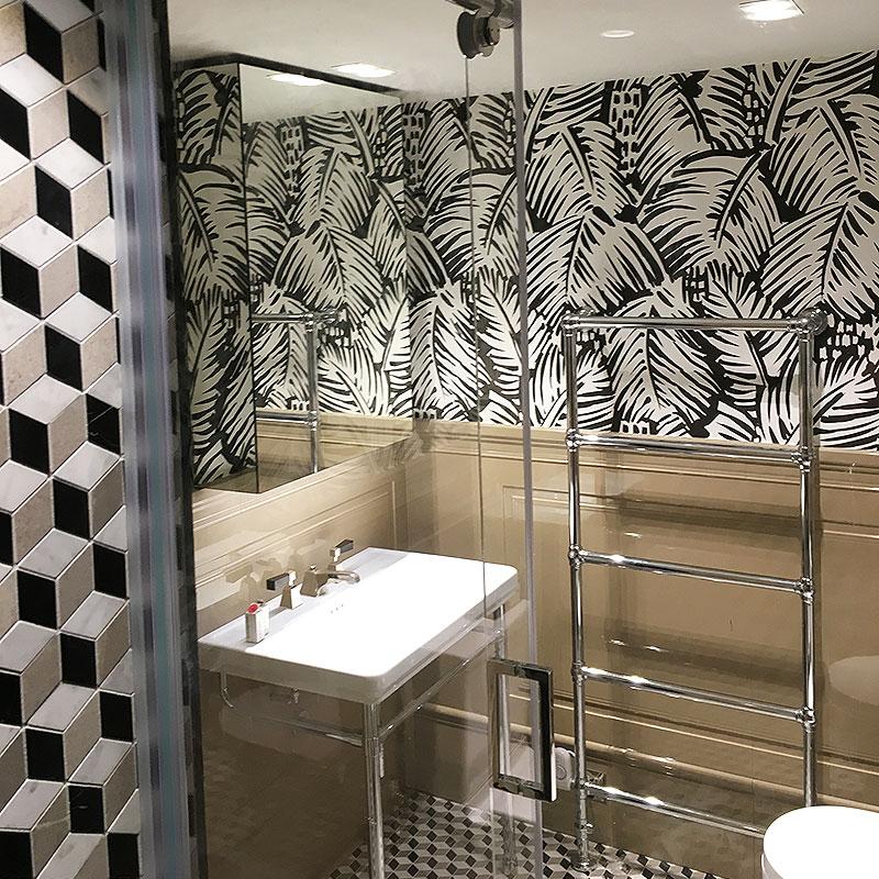 Mirrored bathroom cabinet in Ladbroke Grove