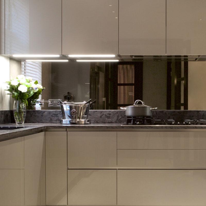 mirrored glass kitchen splashbacks