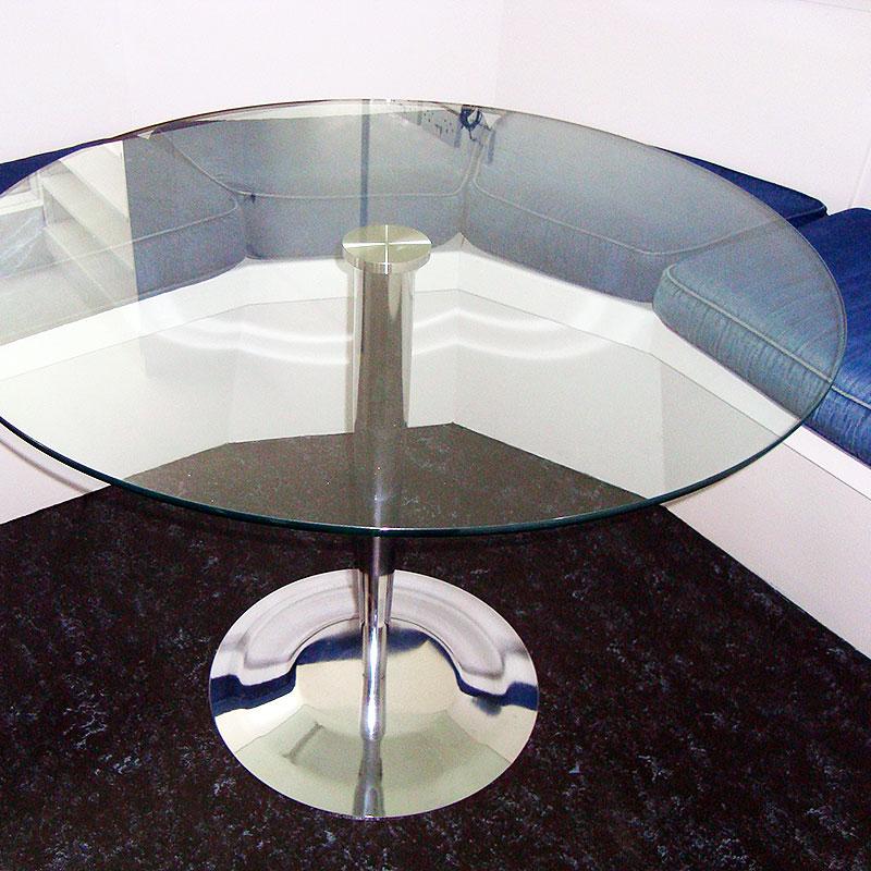 Round glass nightclub table