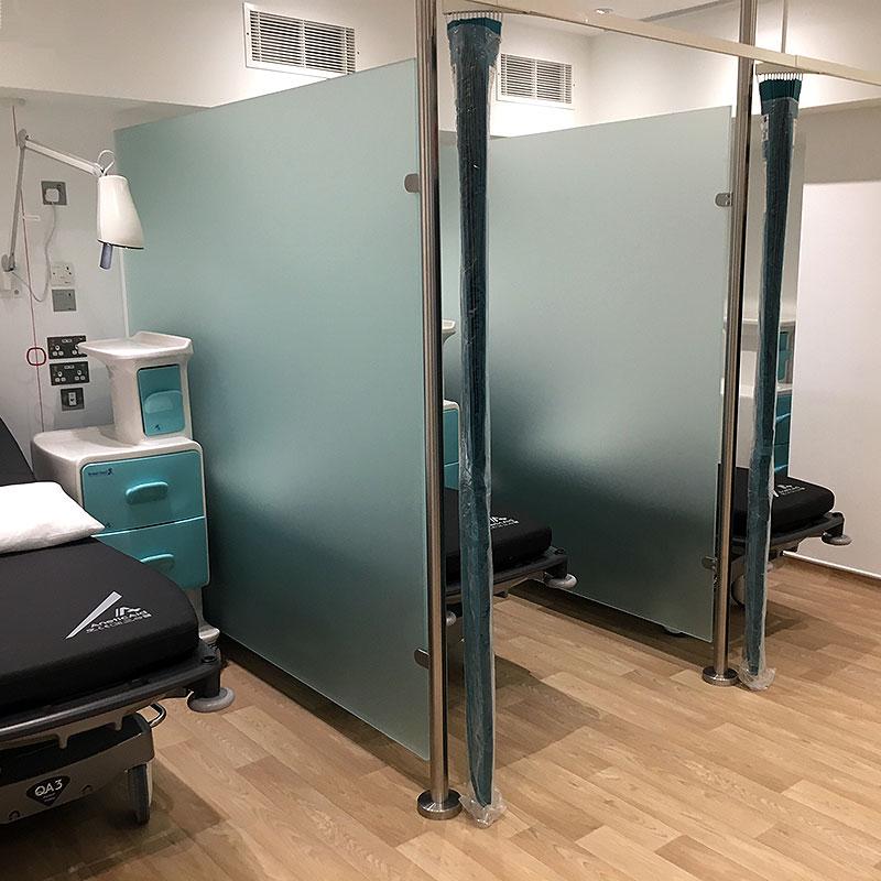 Glass medical cubicles