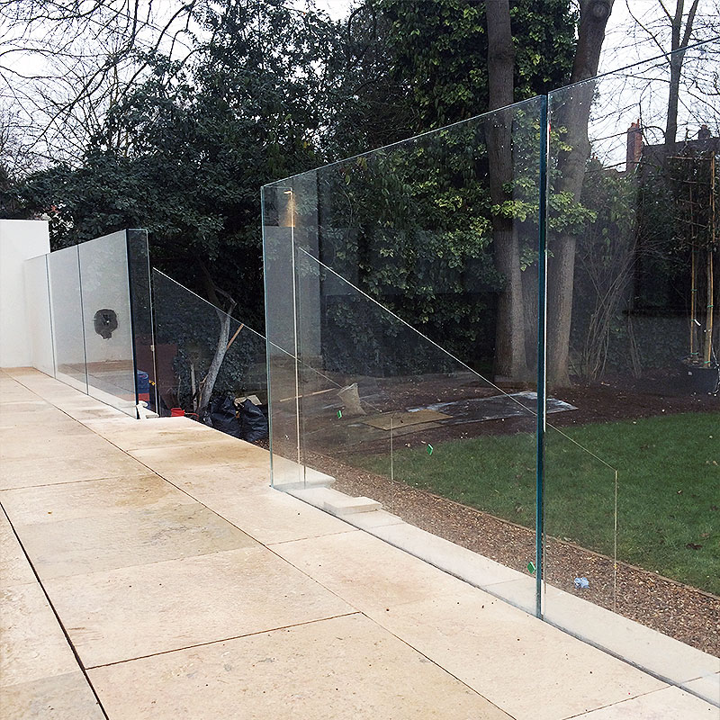 Toughened bespoke glass in London garden